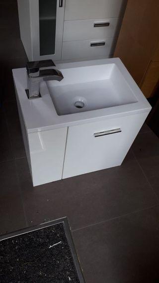 Conjunto lavabo y mueble nuevo