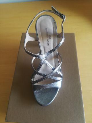 Sandalia tacón plata vieja 37