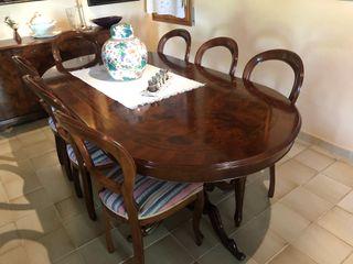8 sillas y mesa de comedor