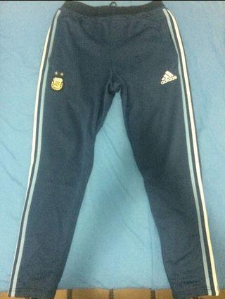 Pantalón Adidas de Argentina talla M