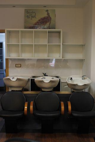 Lavacabezas 3 puestos + mobiliario con lavabo