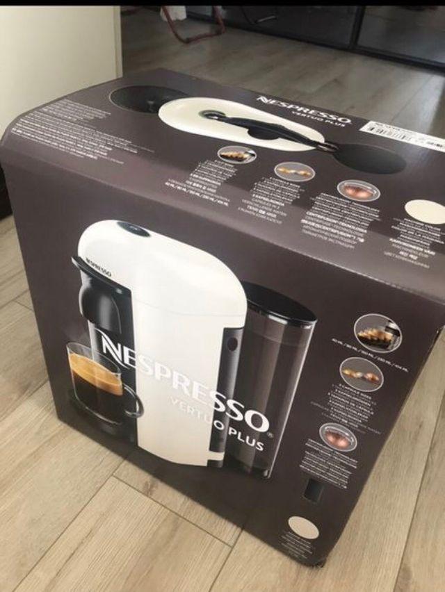 Machine Nespresso Vertuo neuve