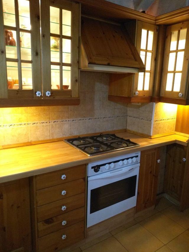 Muebles de cocina con electrodomésticos de segunda mano por ...