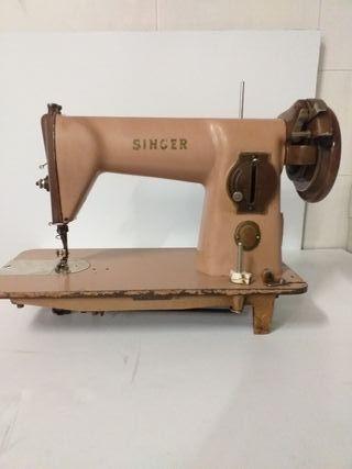 máquina antigua de cocer singer