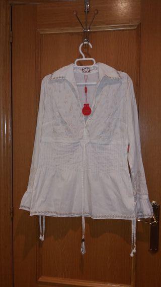 blusa Flamenco con etiqueta