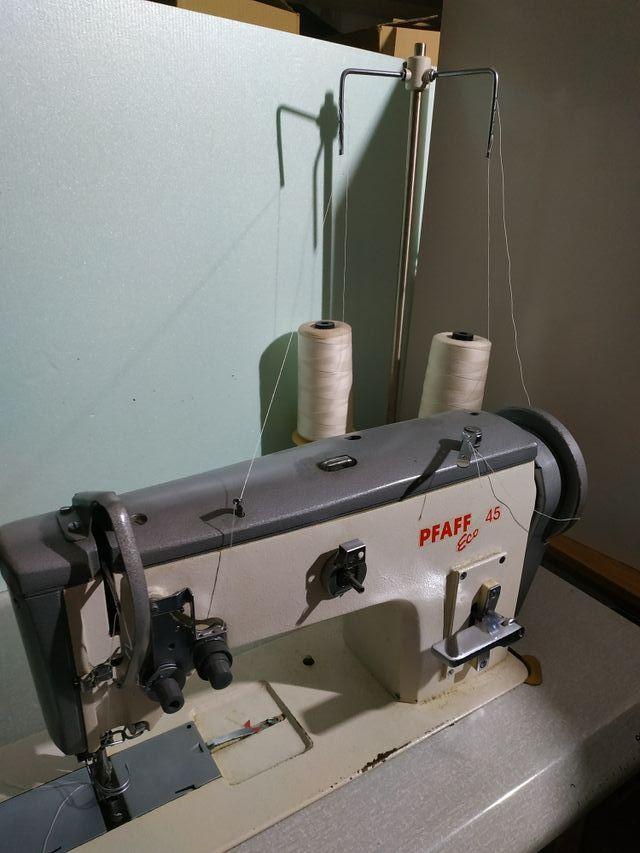 Máquina de coser industrial PFAFF