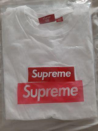 box logo supreme