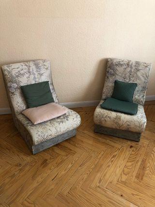 Dos sillones independientes sin brazos