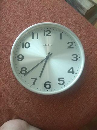 Reloj de pared Aramis