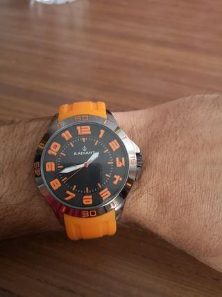 reloj Radiant correa caucho naranja