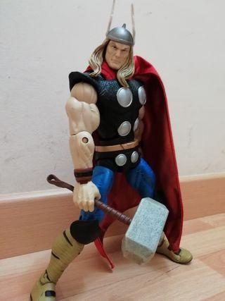 Impresionante figura articulada de Thor de 30 cm
