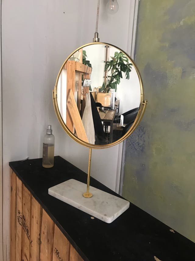 Espejo redondo dos caras a conjunto con la mesa !!