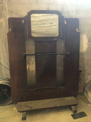 moble vintage de fusta