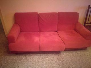 Vendo sofá 3 plazas y orejero a juego