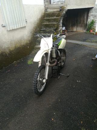 se vende moto de cross precio negociable