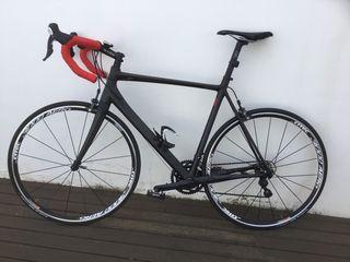 Bici carretera carbono talla 60 o xl , shimano 105