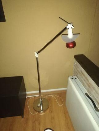Lámpara de Infrarojos con bombilla incluida.