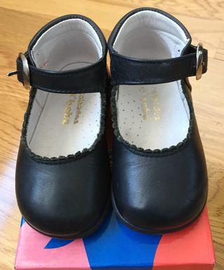 b0127f48687c Zapatos bebé de segunda mano en Tres Cantos en WALLAPOP