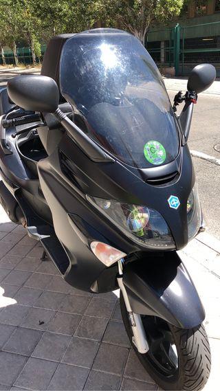 Moto Piaggio X Evo 125 CC