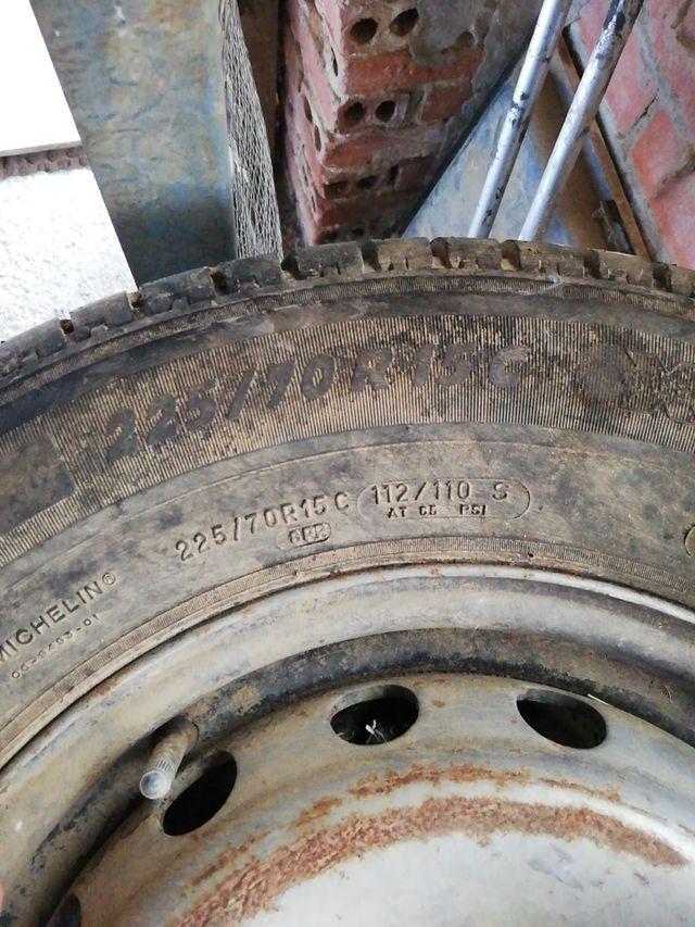 se venden 4 ruedas completas de furgoneta Mercedes