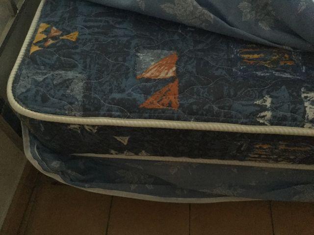 Colchón impecable cama 1.05.
