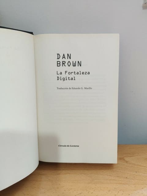 Libro la fortaleza digital.