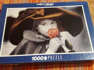 Puzzle 1000 piezas. Un beso y una flor. 67 x 48 cm