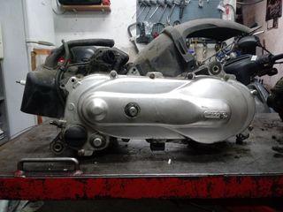 motor piaggio 50