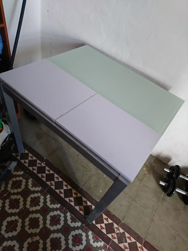 mesa de cristal desplegable