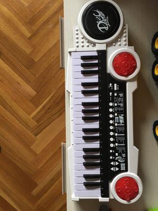 Órgano de juguete 13€