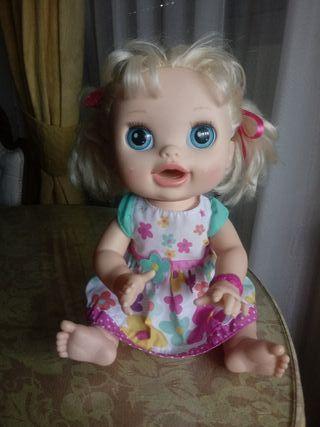 MUÑECA BABY ALIVE. 2012.