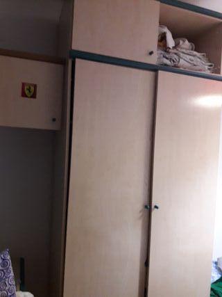 vendo armario y modulo con cajones.