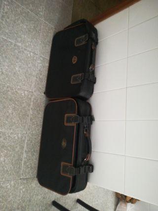 2 maletas de viaje por 15€