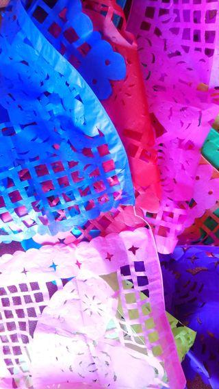 Tira papel Picado mexicano de colores