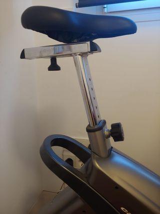 Bicicleta Estática BH 8705