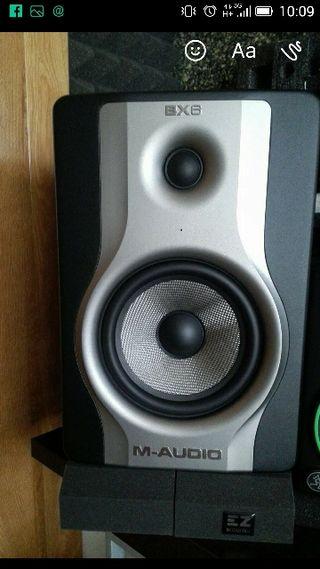 altavoces amplificados