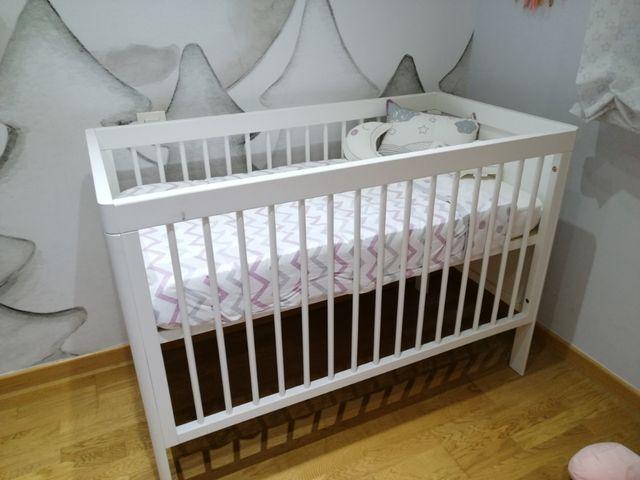 Cuna infantil Lukas + colchón SEDA