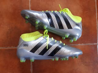 BOTAS DE FUTBOL CESPED ARTIFICIAL