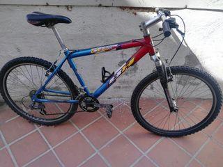 Bicicleta de montaña BH OverX