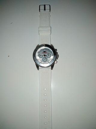 reloj blanco NO LIMITS