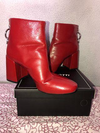 Botines rojos Zara