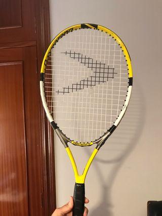 Raqueta de tenis y funda, marca Boomerang.