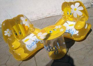 Conjunto mesa y sillones hinchables Piolín