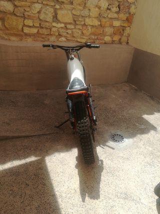 Moto Montesa Cota74