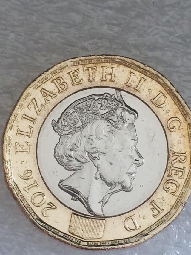 1 pound new coin 12 sided 2016 error coin