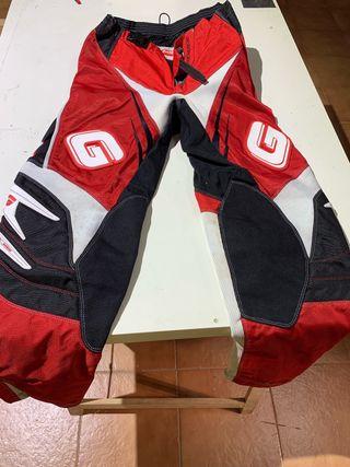 Pantalón y camiseta Gas Gas enduro