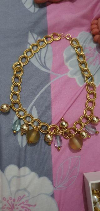 collar chapado en oro