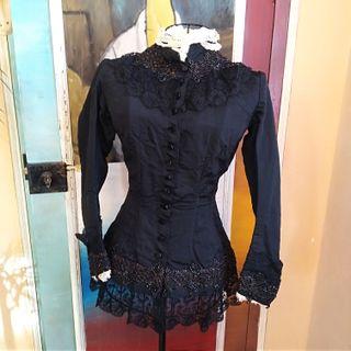 Blusa Mujer Siglo XIX Con Abalorios y Puntilla