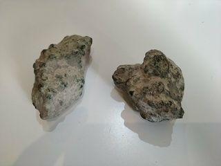 antigua pareja de bronce o cobre natural