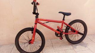 bicicleta BMX nueva giro 380 nueva